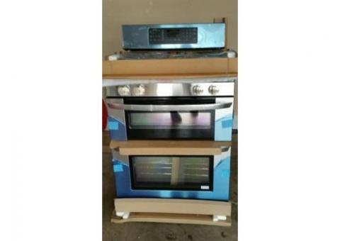 LG 6.1 CU. FT. Double Oven Range with 4 Sealed Gas Burners.